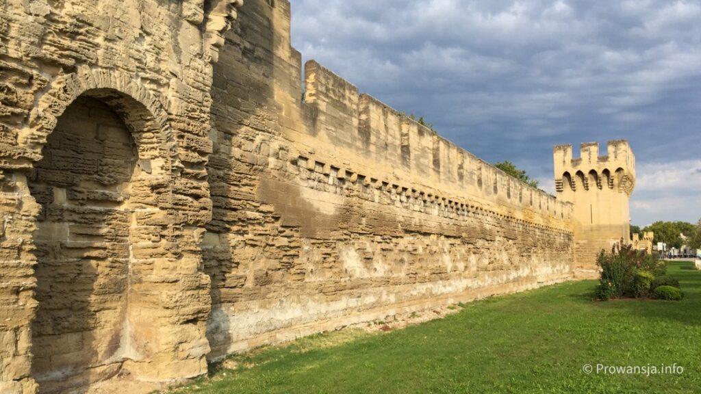 Mury obronne dookoła centrum miasta