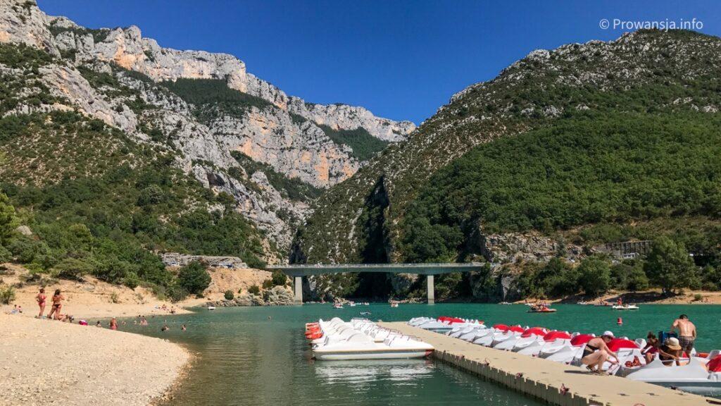 Wypożyczalnia sprzętu wodnego przy Pont du Galetas