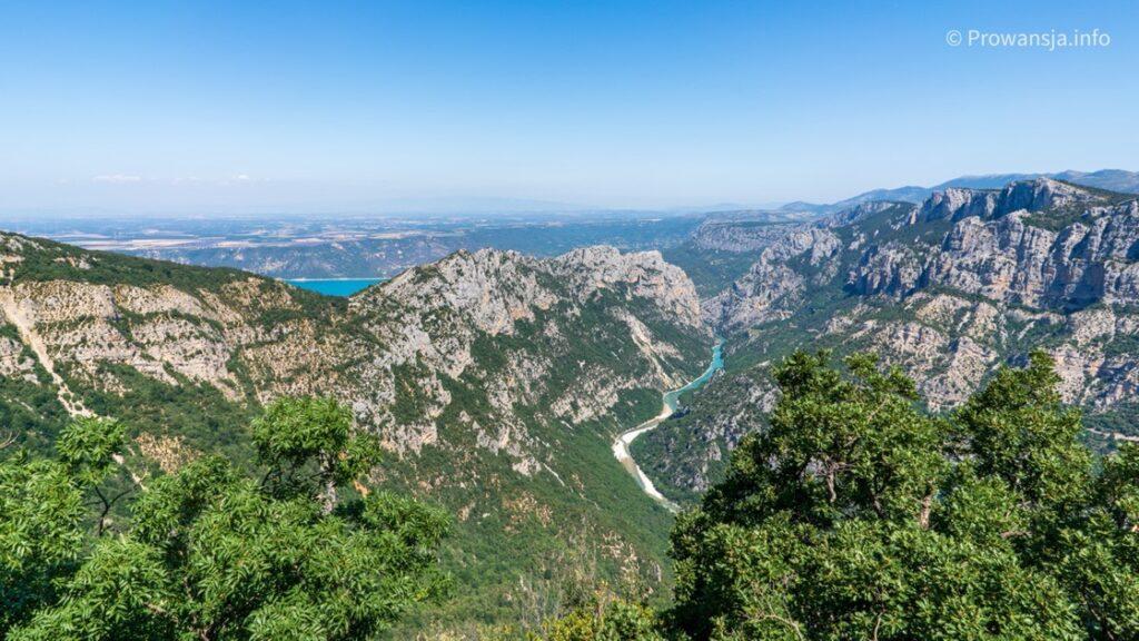 Widok na kanion Verdon i jezioro św. Krzyża