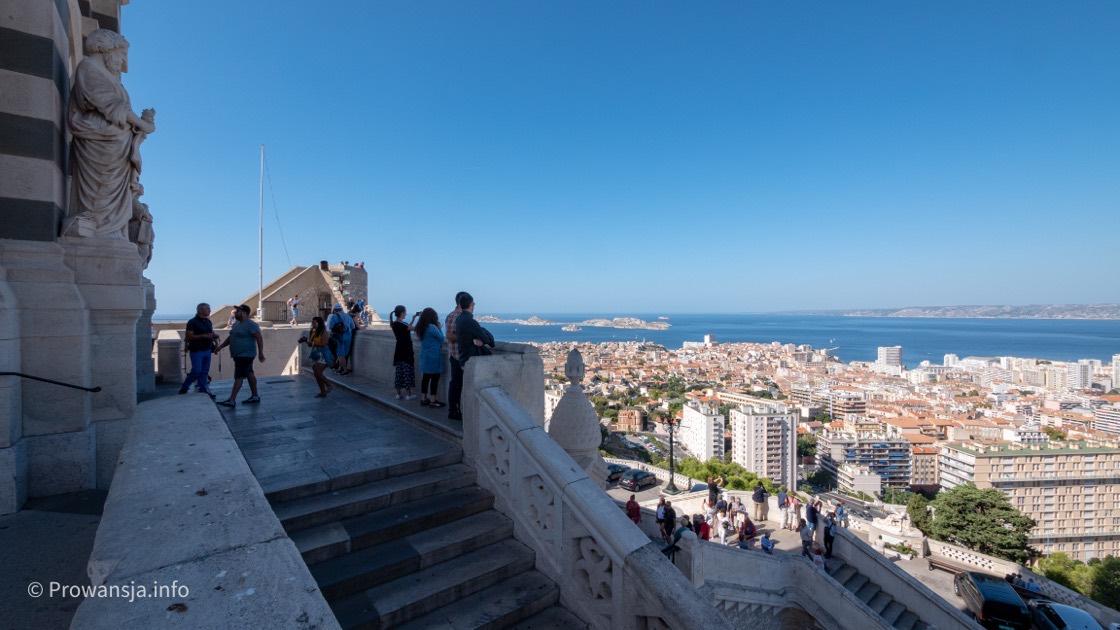 Panorama Marsylii ze wzgórza La Garde