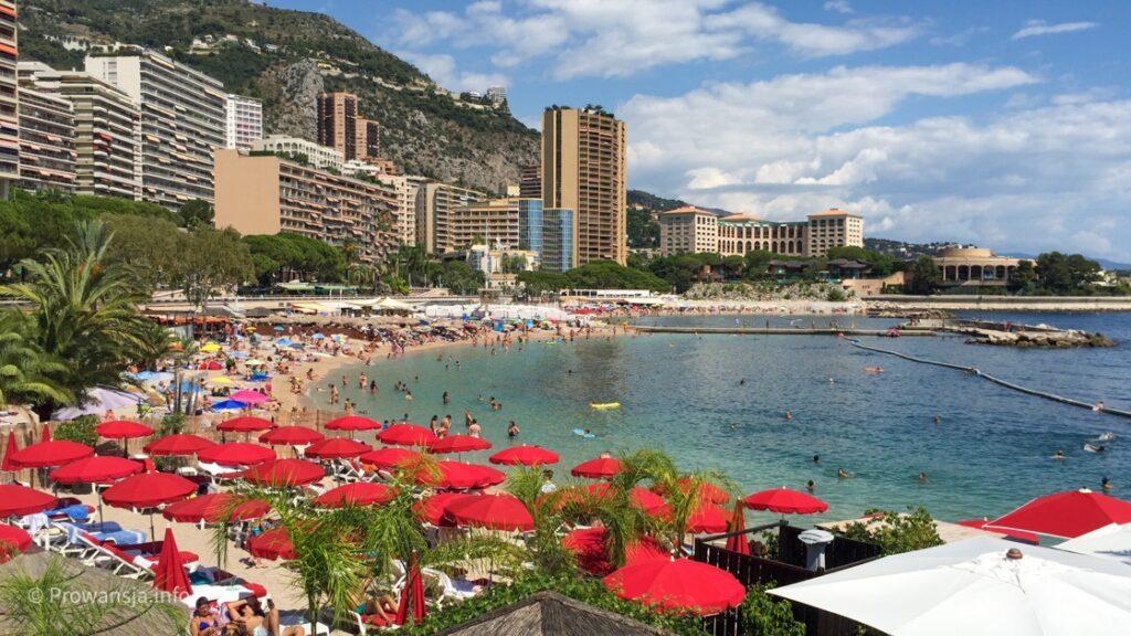 Plaża Larvotto w Monte Carlo