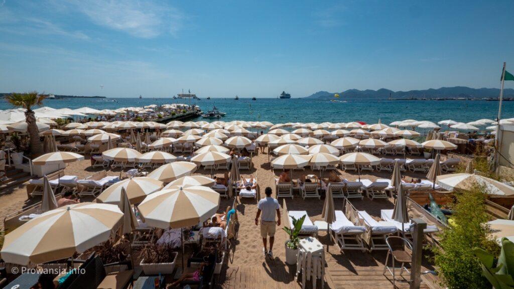 Prywatna plaża w centrum Cannes