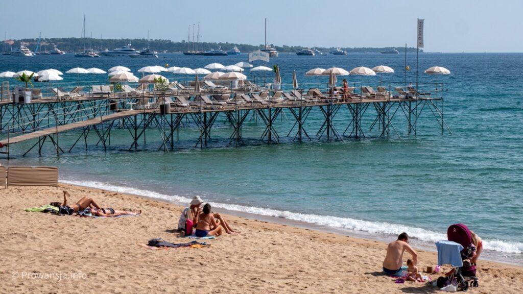 Plaża w centrum Cannes