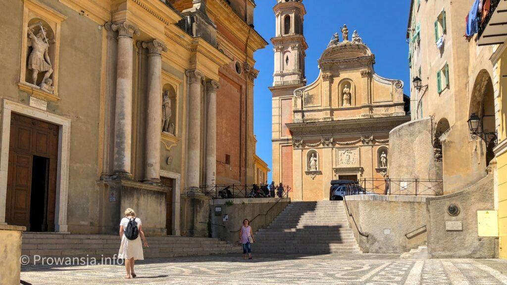 Plac przed bazyliką św. Michała Archanioła
